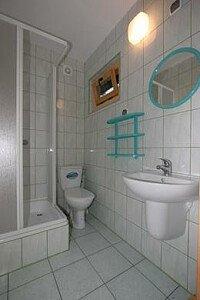 łazienka w domu letniskowym 7-12