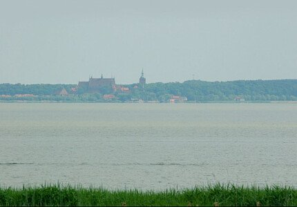 Widok z tarasu na Katedrę we Fromborku